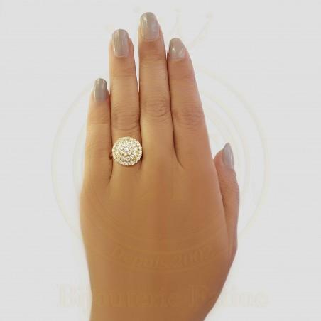 Solitaire très chic et moderne en or 18 carats
